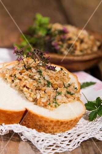 White bread with lentil spread