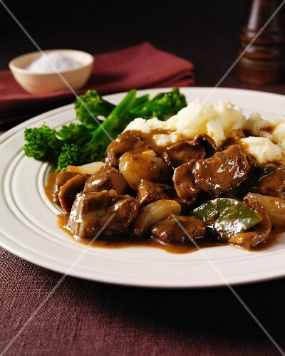 Beef ragout with porcini mushrooms and shallots