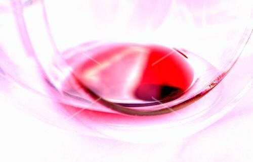 Red wine vinegar in a glass (close up)