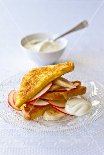 French toast with bananas, apples and mascarpone
