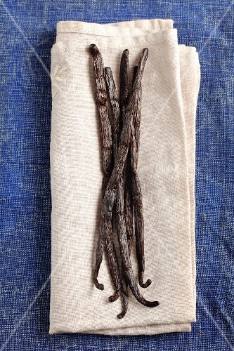 Vanilla pods on a cloth