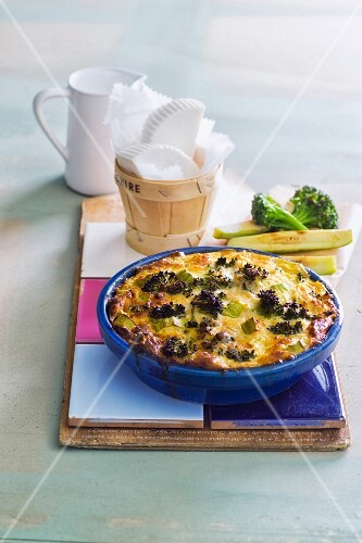 Broccoli and courgette quiche with cheese