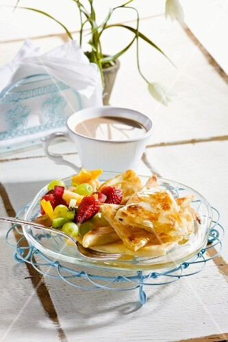 Crêpes with crème patissière and fruits