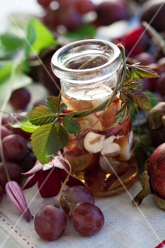 Grape-mangosteen liqueur