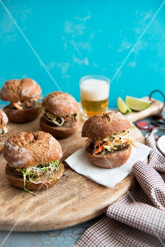 Hamburgers with pork and sprouts