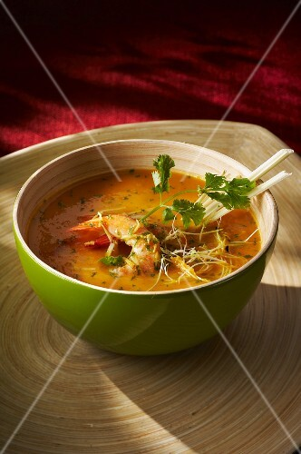 Prawn soup with sprouts and coriander leaves (Asia)