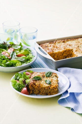 Baked risotto with salad