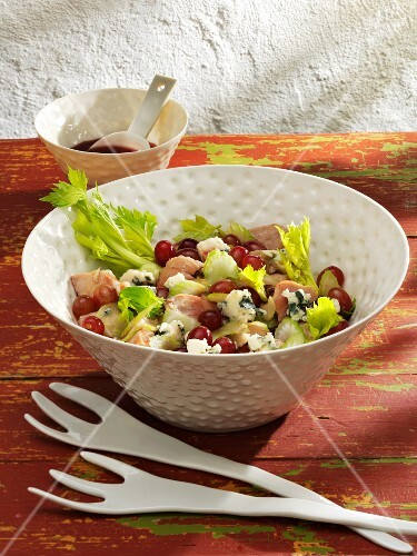 Chicken salad with grapes, celery and Roquefort