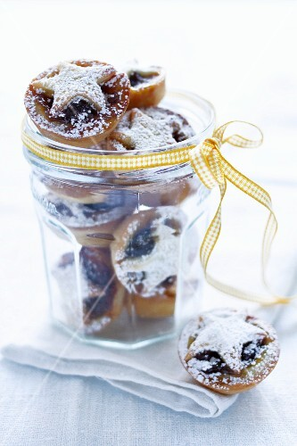 Mince pies in a jar tied with a ribbon