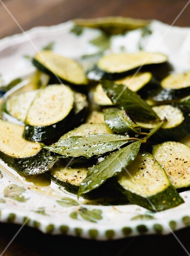 Roasted courgette with bay leaves