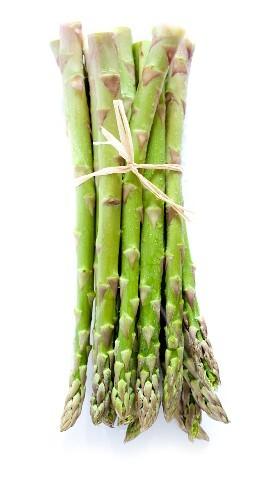 Green asparagus (no background)