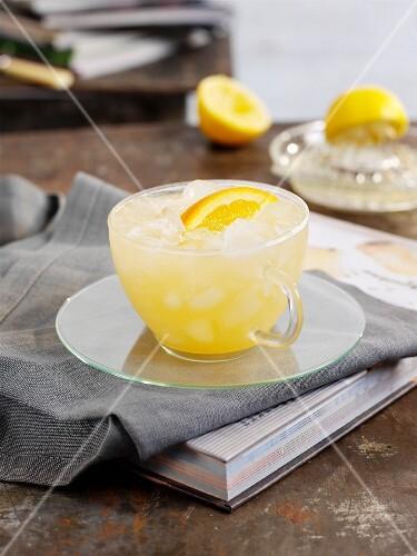 Citrus fruit iced tea