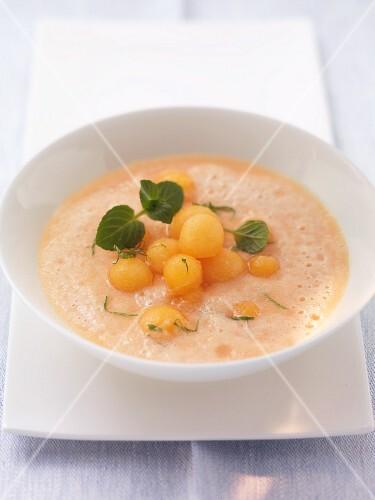 Melon soup with mint