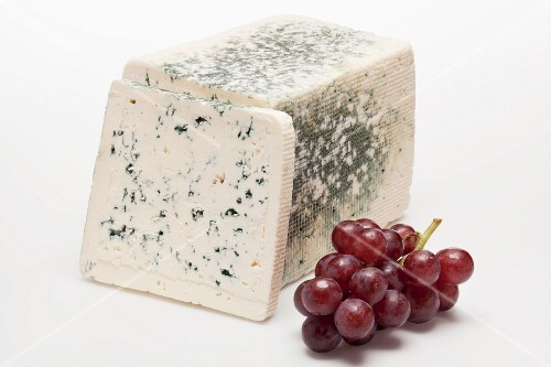 Blue cheese with red grapes