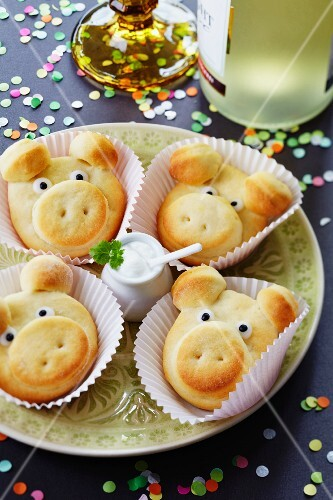 Savoury quark rolls shaped like pigs for New Year's Eve