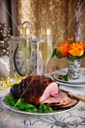 Glazed roast ham for New Year's Eve