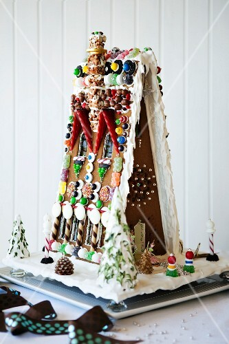 Artistic gingerbread house