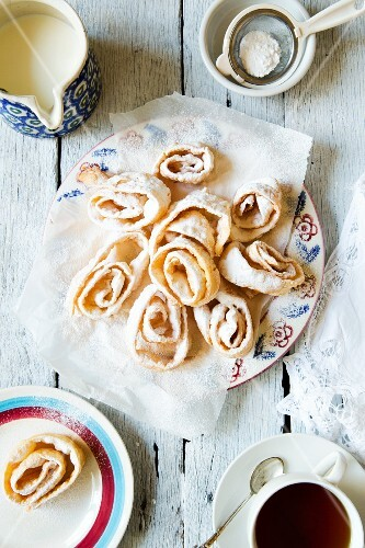 Russian deep-fried pastries with icing sugar