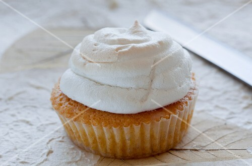 A muffin with a meringue top