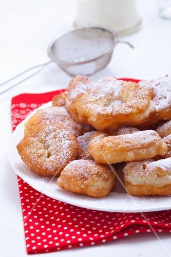 Bulgarian doughnuts with icing sugar