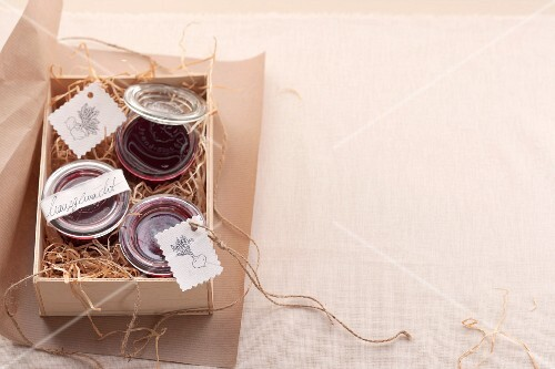 Beetroot spread as a gift
