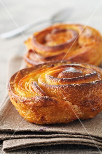 Kouign amann (butter cakes, Brittany)