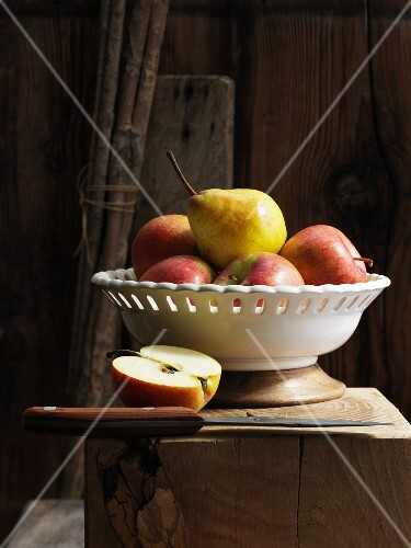 Apples and pears in a bowl