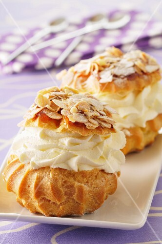 Profiteroles with sliced almonds