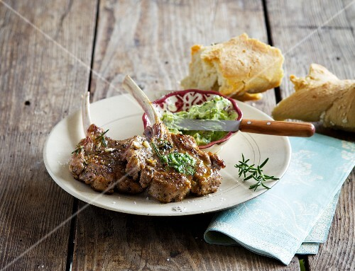 Barbecued ribs of lamb with herb butter
