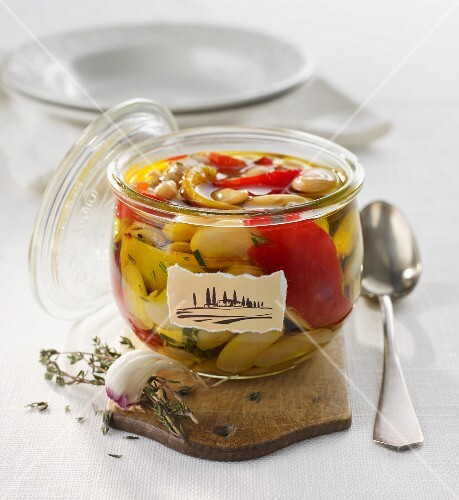 Pickled white beans with peppers, Tuscan-style