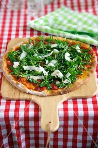 Rocket pizza with parmesan