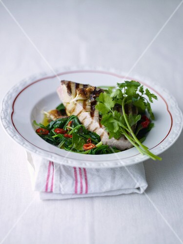 Barbecued tuna steak with spinach
