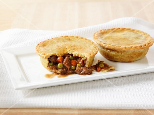 Mini beef pies (English meat pies)