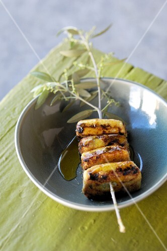 Date bread on a skewer, with olive oil (Tunisia)
