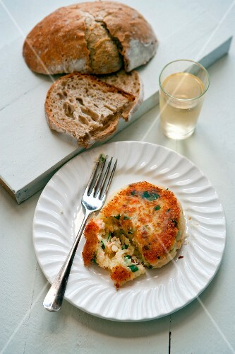 Salmon fritter with bread