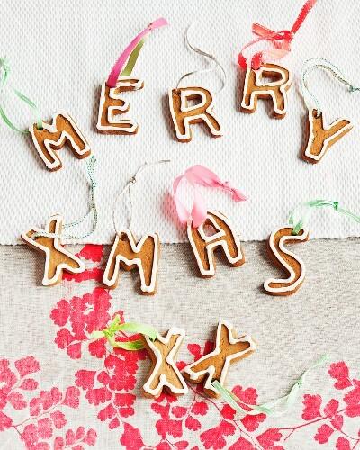 'Merry Xmas' written in gingerbread letters