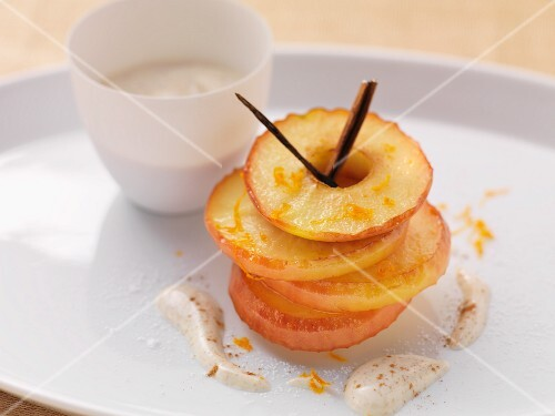 Baked apple rings with orange zest