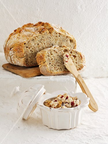 Sunflower seed bread with spread