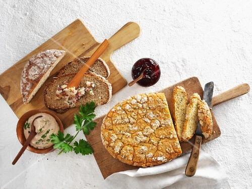 Gluten-free breads with spreads