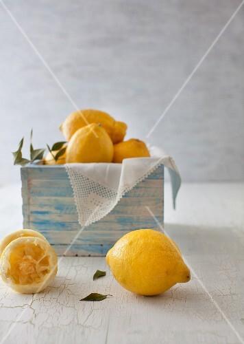 Whole lemons and one squeezed lemon