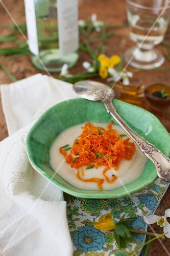 Cream of turnip soup with strips of carrot