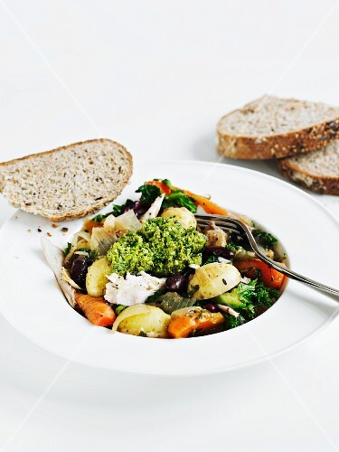 Vegetable stew with chicken and fresh pesto