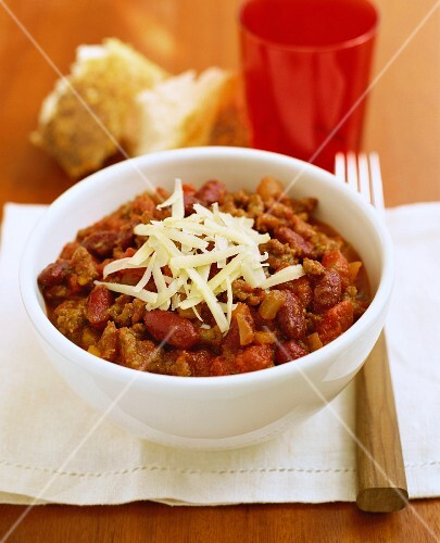 Chilli con carne with grated cheese