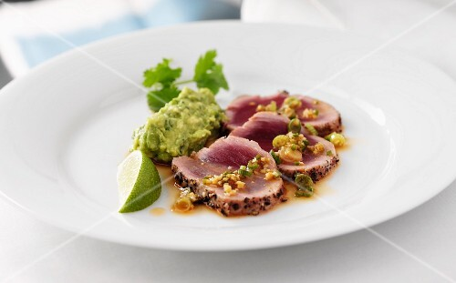 Grilled Tuna with Guacamole