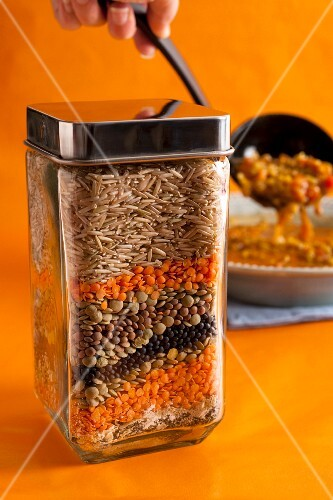 Curry and lentil soup mix in a jar as a gift