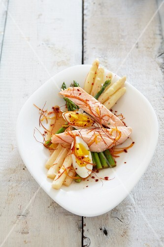 Green and white asparagus with salmon and a hard-boiled egg
