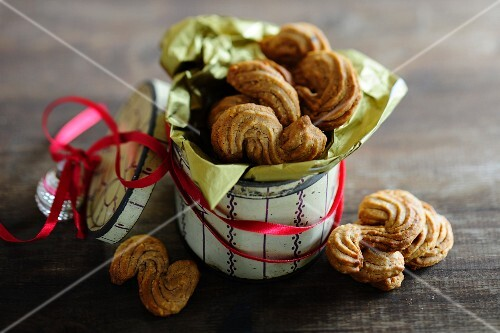 Piped hazelnut biscuits