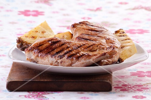 Grilled chicken breast with pineapple