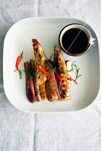 Grilled aubergines with chilli and soy sauce