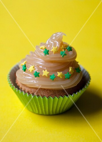 A cupcake with lemon curd